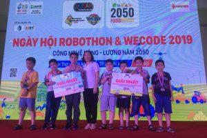 Tin vui với Trường Tiểu học Trung Văn trong ngày hội Robothon & wecode 2019 2019